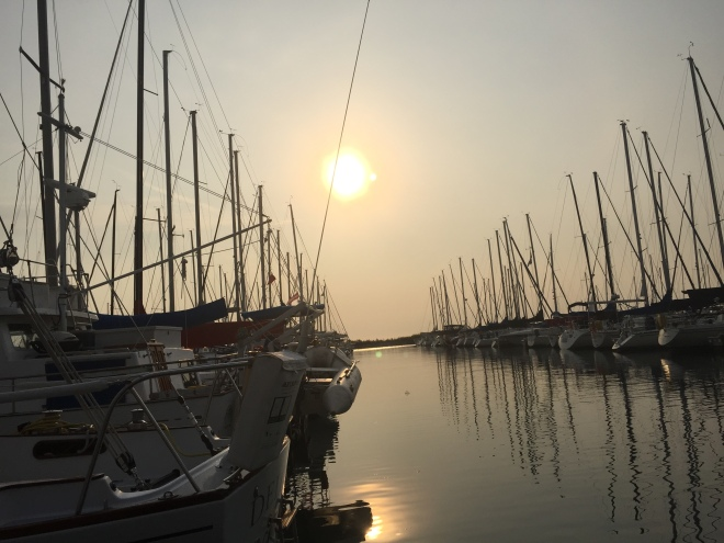 Sunrise from Echo 60 in the DuSable Harbor, Chicago